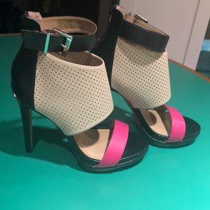 Juicy Couture Pink Beige & Black Stiletto Heel 7.5